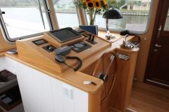 ALEAU-65L-Piper-Dutch-Barge-38
