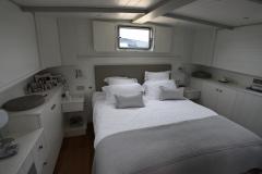 ALEAU-65L-Piper-Dutch-Barge-48