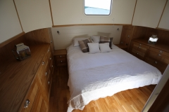 ELYSIUM-65L-Piper-Dutch-Barge-14