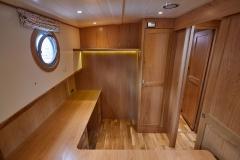 UNI-VERSE-57N-Piper-Dutch-Barge-32