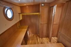 UNI-VERSE-57N-Piper-Dutch-Barge-40
