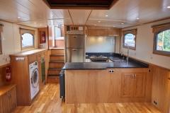 UNI-VERSE-57N-Piper-Dutch-Barge-46