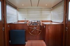 UNI-VERSE-57N-Piper-Dutch-Barge-50