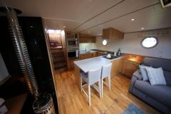 VICTORIA-48M-Piper-Dutch-Barge-05
