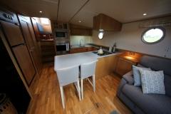 VICTORIA-48M-Piper-Dutch-Barge-06