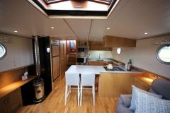 VICTORIA-48M-Piper-Dutch-Barge-07