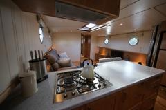 VICTORIA-48M-Piper-Dutch-Barge-11