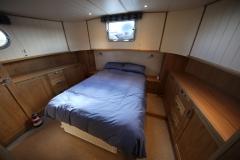 VICTORIA-48M-Piper-Dutch-Barge-16