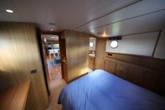 VICTORIA-48M-Piper-Dutch-Barge-17