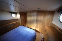VICTORIA-48M-Piper-Dutch-Barge-21