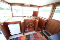 VICTORIA-48M-Piper-Dutch-Barge-23