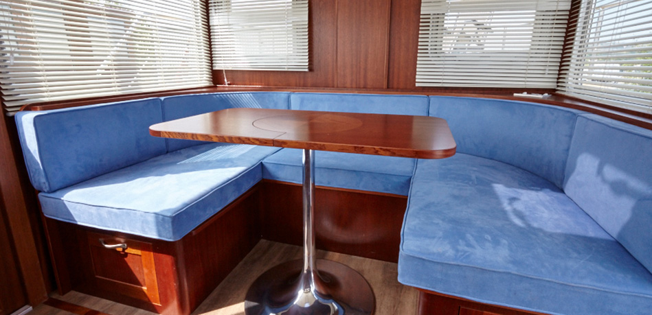 Wheel House Dinette 49L Luxemotor Class Dutch Barge