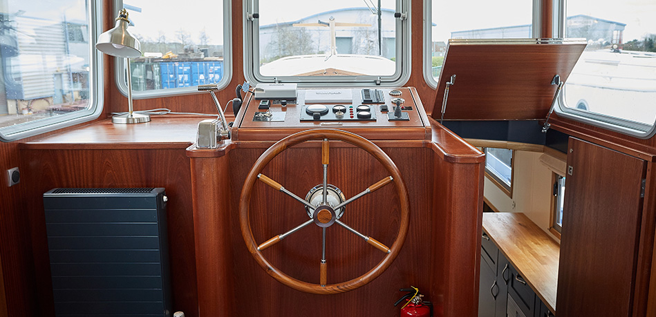 Helm 57N Nivernais Class Dutch Barge