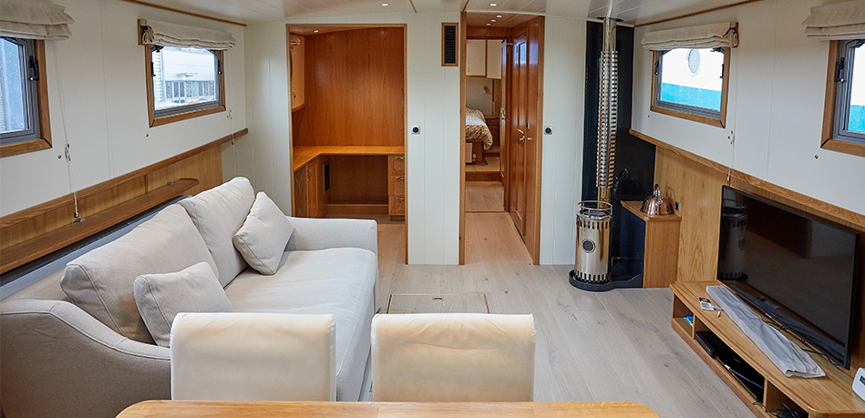 Saloon 2nd bedroom 57N Nivernais Class Dutch Barge