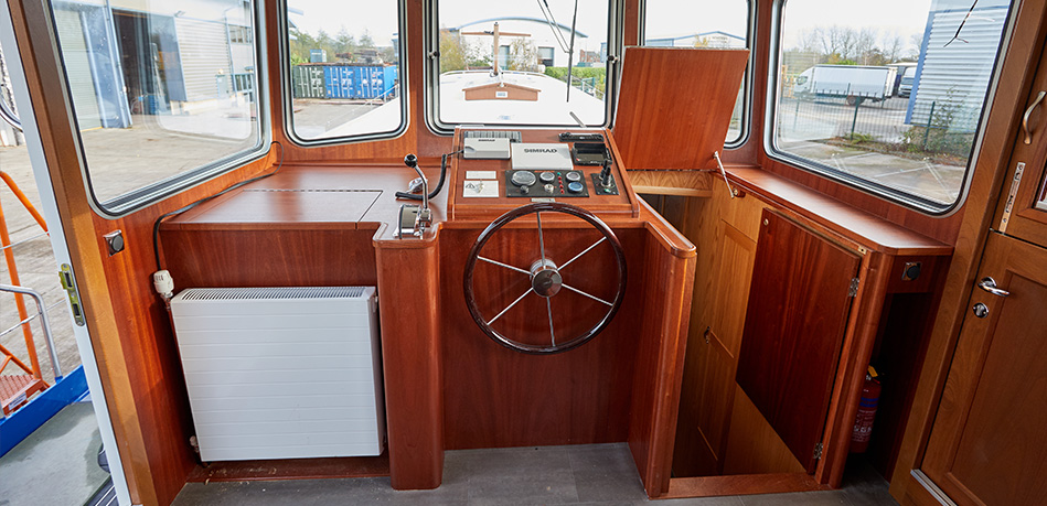 Helm 65M Motor Class Dutch Barge